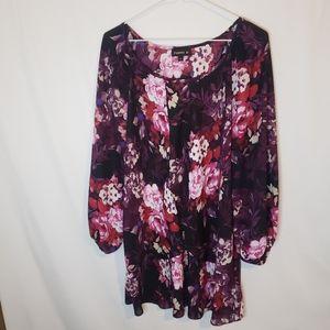 Tamara H plus 1x floral tulip hem blouse